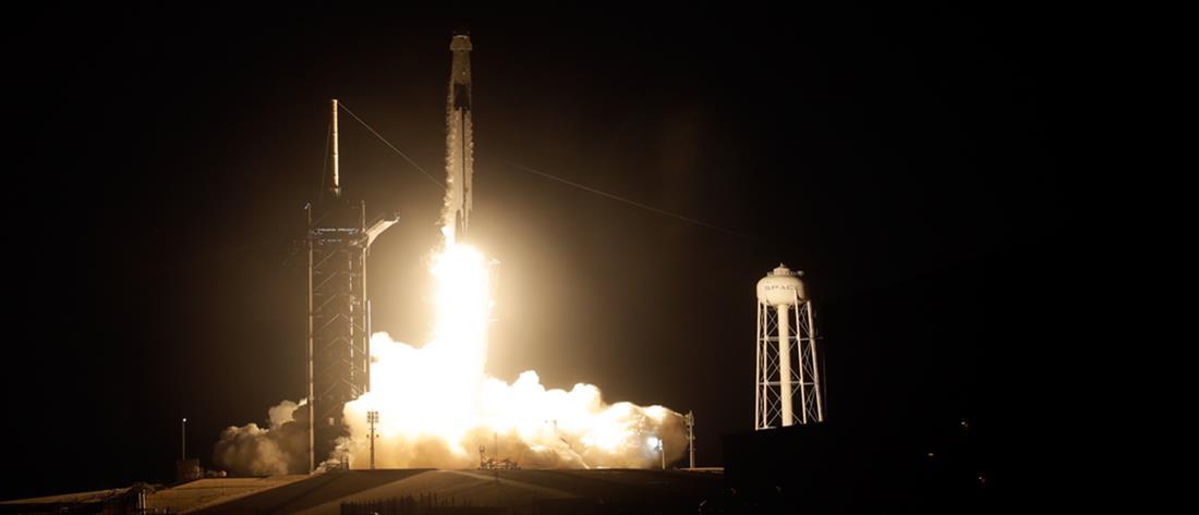 SpaceX: Πρώτη διαστημική πτήση μόνο με πολίτες