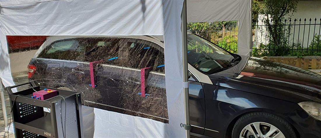 Οδηγοί ταξί μεταφέρουν δωρεάν πολίτες σε εμβολιαστικό κέντρο (εικόνες)