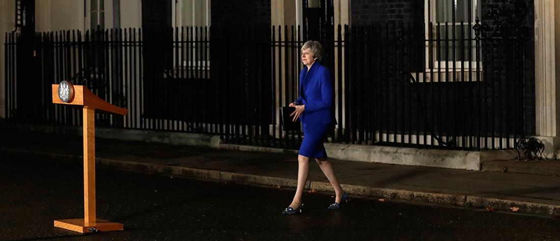 Brexit: Με νέες… προτάσεις στις Βρυξέλλες η Μέι