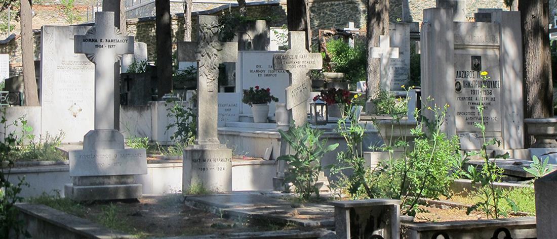 Κορονοϊός - Λαζανάς: αρνητές ξεθάβουν νεκρούς για να δουν αν πέθαναν από Covid-19