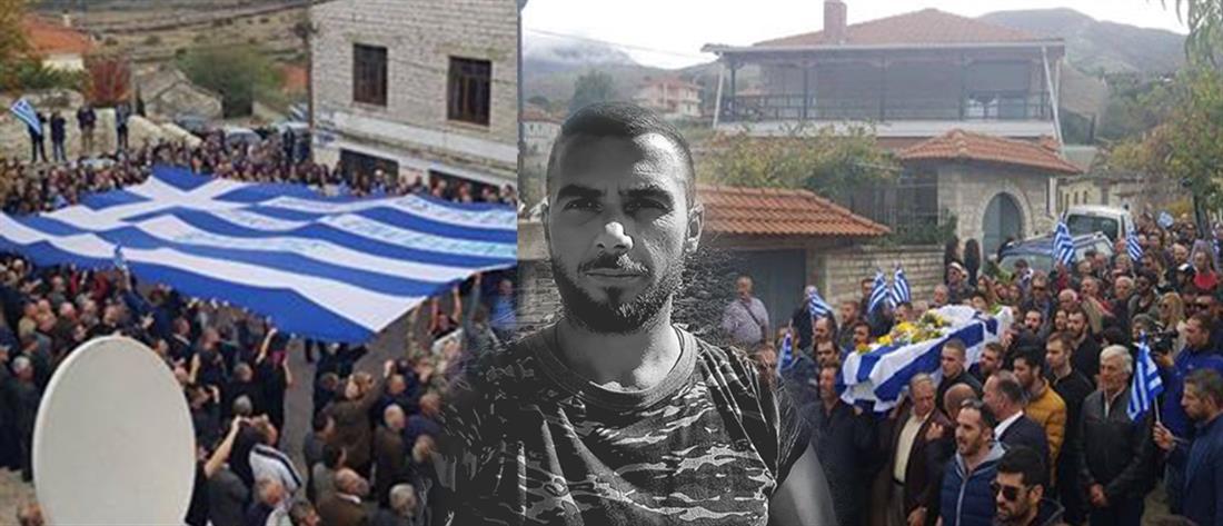 """Κηδεία Κατσίφα: με τον εθνικό ύμνο και ελληνικές σημαίες το """"στερνό αντίο"""" στον ομογενή (εικόνες)"""