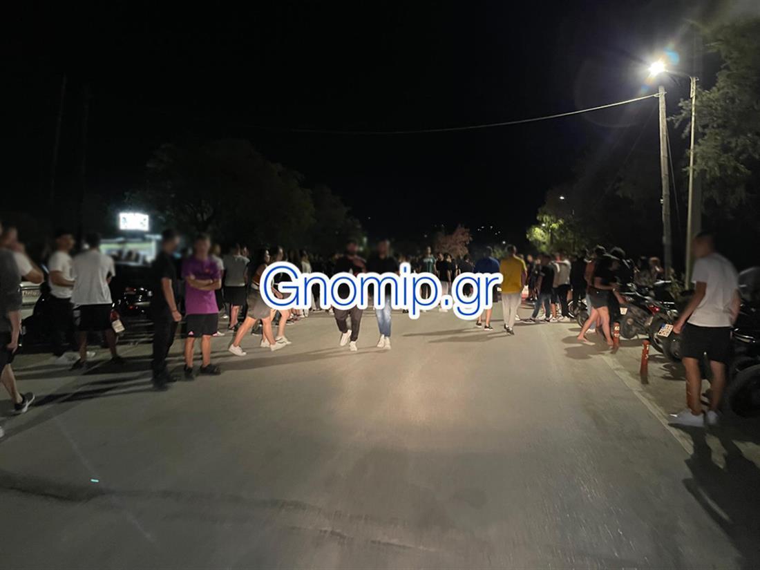 Πάτρα - πάρτυ -  πλαζ