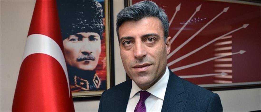 Την Προεδρία της Τουρκίας ονειρεύεται ο υπερεθνικιστής Οζτούρκ Γιλμάζ