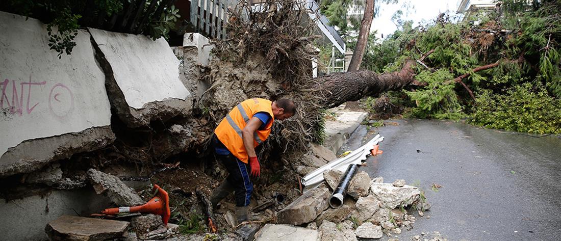 Κακοκαιρία: πλημμύρες και σοβαρά προβλήματα σε όλη τη χώρα