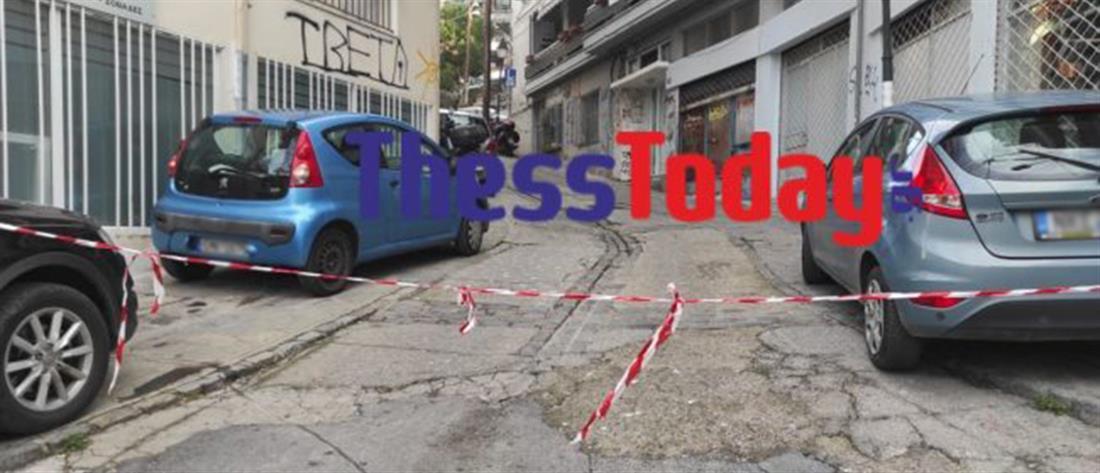 Εκρηκτικά σε είσοδο πολυκατοικίας (εικόνες)