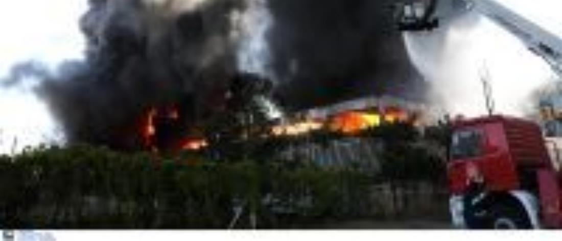 Φωτιά σε εργοστάσιο στη Μεταμόρφωση - Έκλεισε η Εθνική