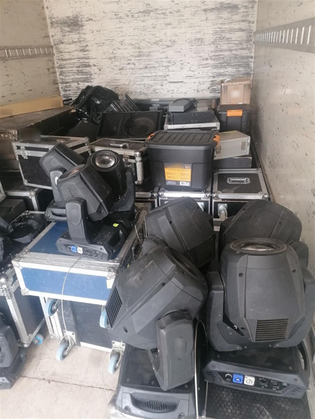 κλοπή - εξοπλισμός ηχητικών και φωτιστικών συστημάτων