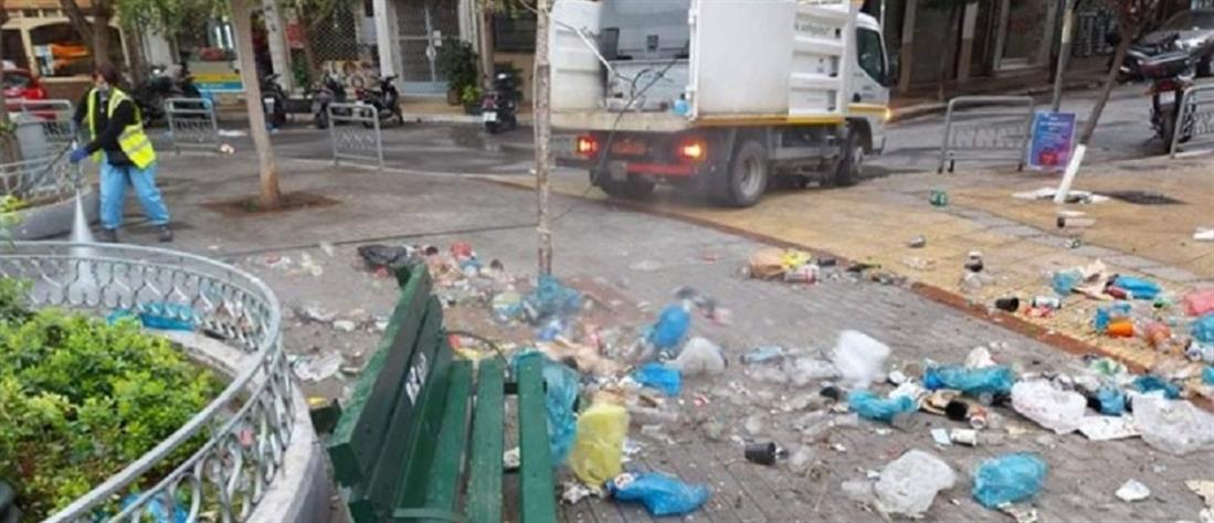 Κυψέλη - πλατεία Αγίου Γεωργίου: Μάζεψαν 50 σακούλες σκουπίδια μετά από κορονοπάρτι