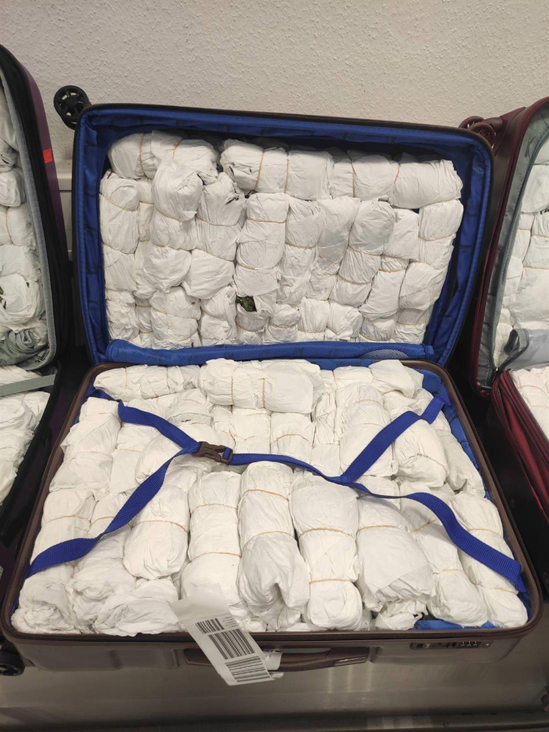 Διεθνής Αερολιμένας Αθηνών - συλλήψεις - ναρκωτικά