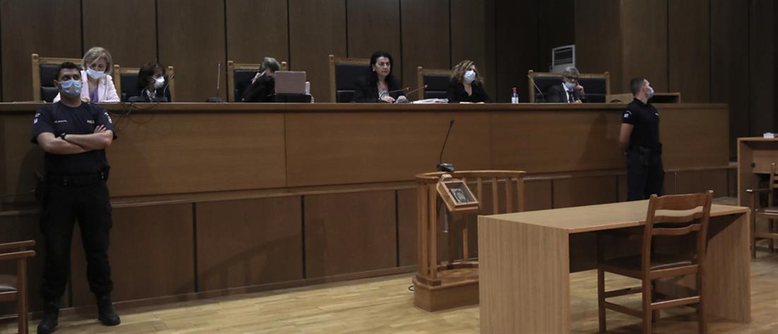"""Δίκη Χρυσής Αυγής: Μακρά διαδικασία η """"μάχη"""" για την αναστολή των ποινών"""
