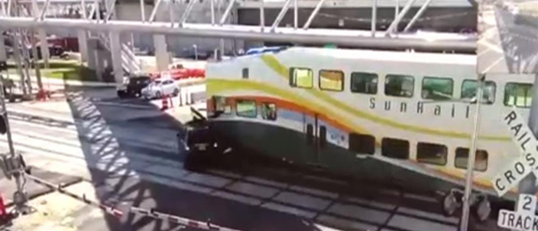Σφοδρή σύγκρουση αυτοκινήτου με τρένο (βίντεο)