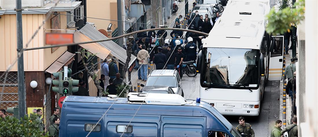 Εκκενώνονται καταλήψεις στο Κουκάκι