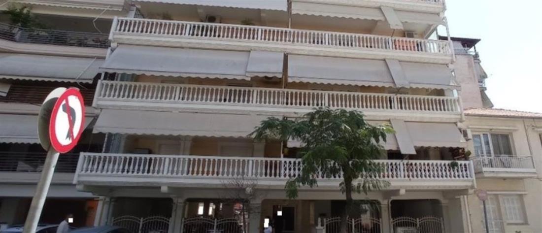 Γυναίκα έπεσε από τον τρίτο όροφο πολυκατοικίας