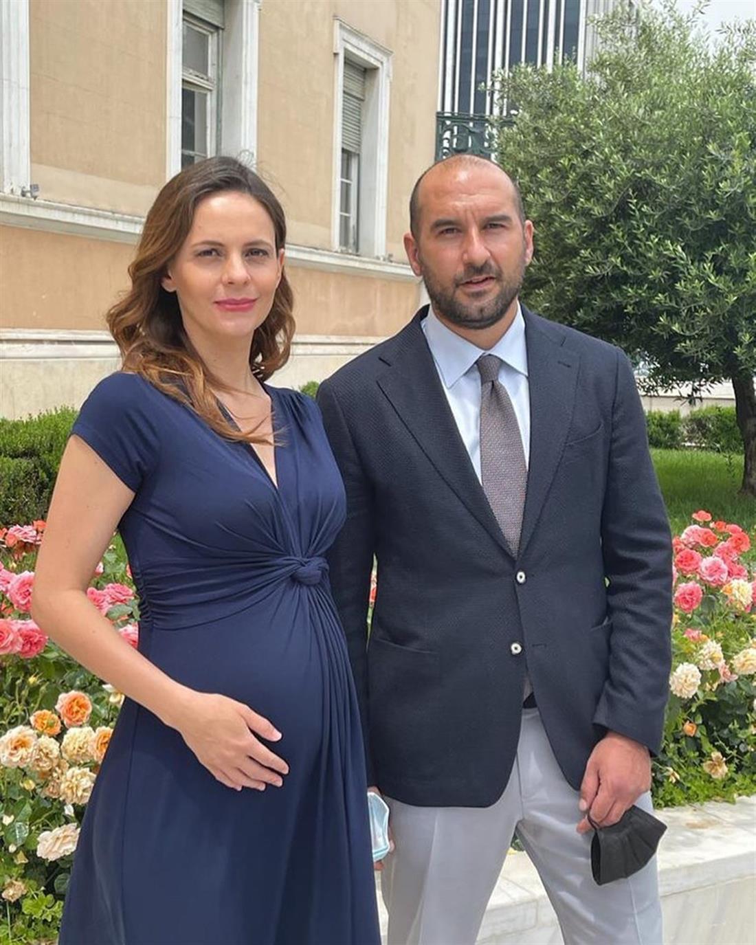 Έφη Αχτσιόγλου - έγκυος - Δημήτρης Τζανακόπουλος
