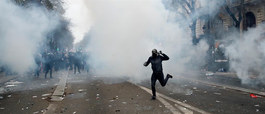 """""""Πεδίο μάχης"""" το Παρίσι (βίντεο)"""