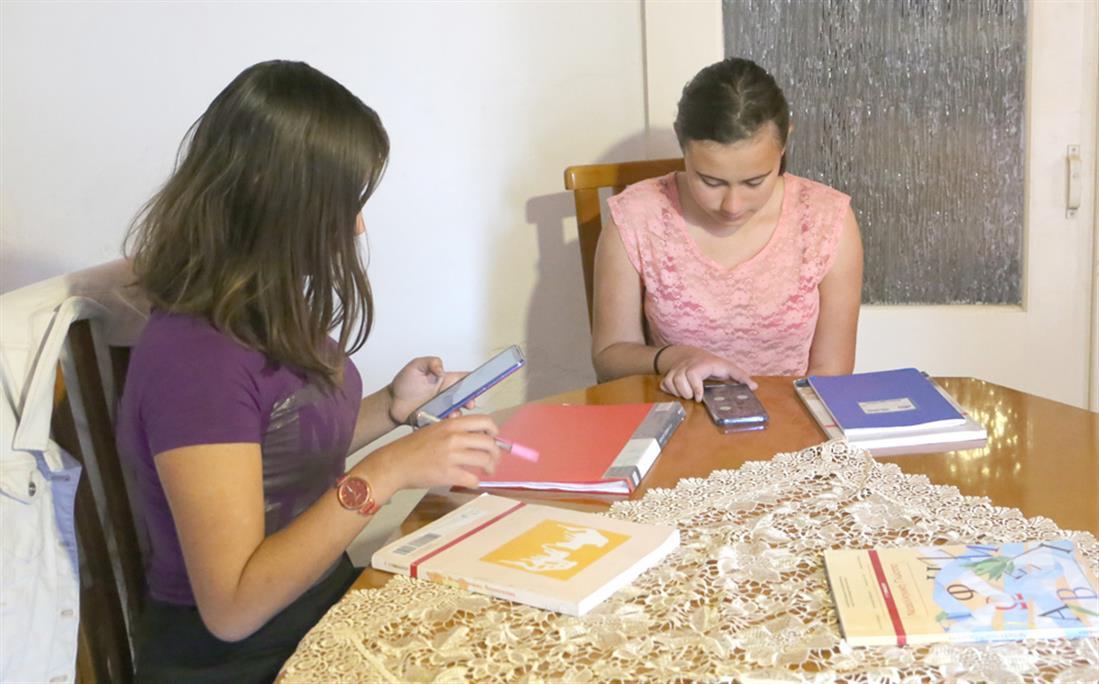 σεισμόπληκτοι μαθητές - σκηνές - Θεσσαλία