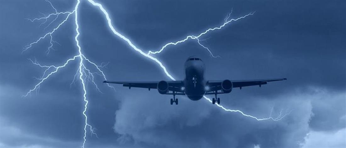 """Κεραυνός """"χτύπησε"""" αεροπλάνο που πήγαινε στην Θεσσαλονίκη"""