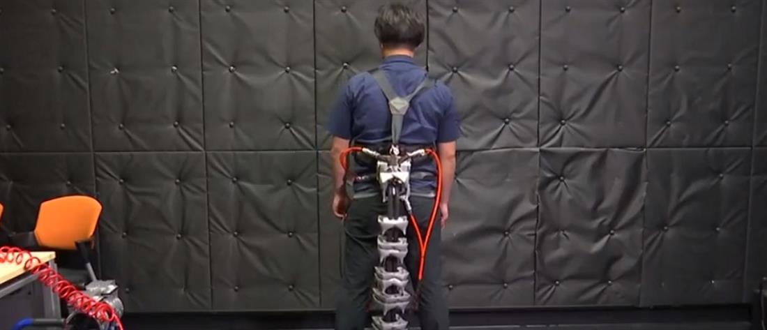 Η ρομποτική ουρά που κρατά…όρθιους τους ηλικιωμένους (βίντεο)