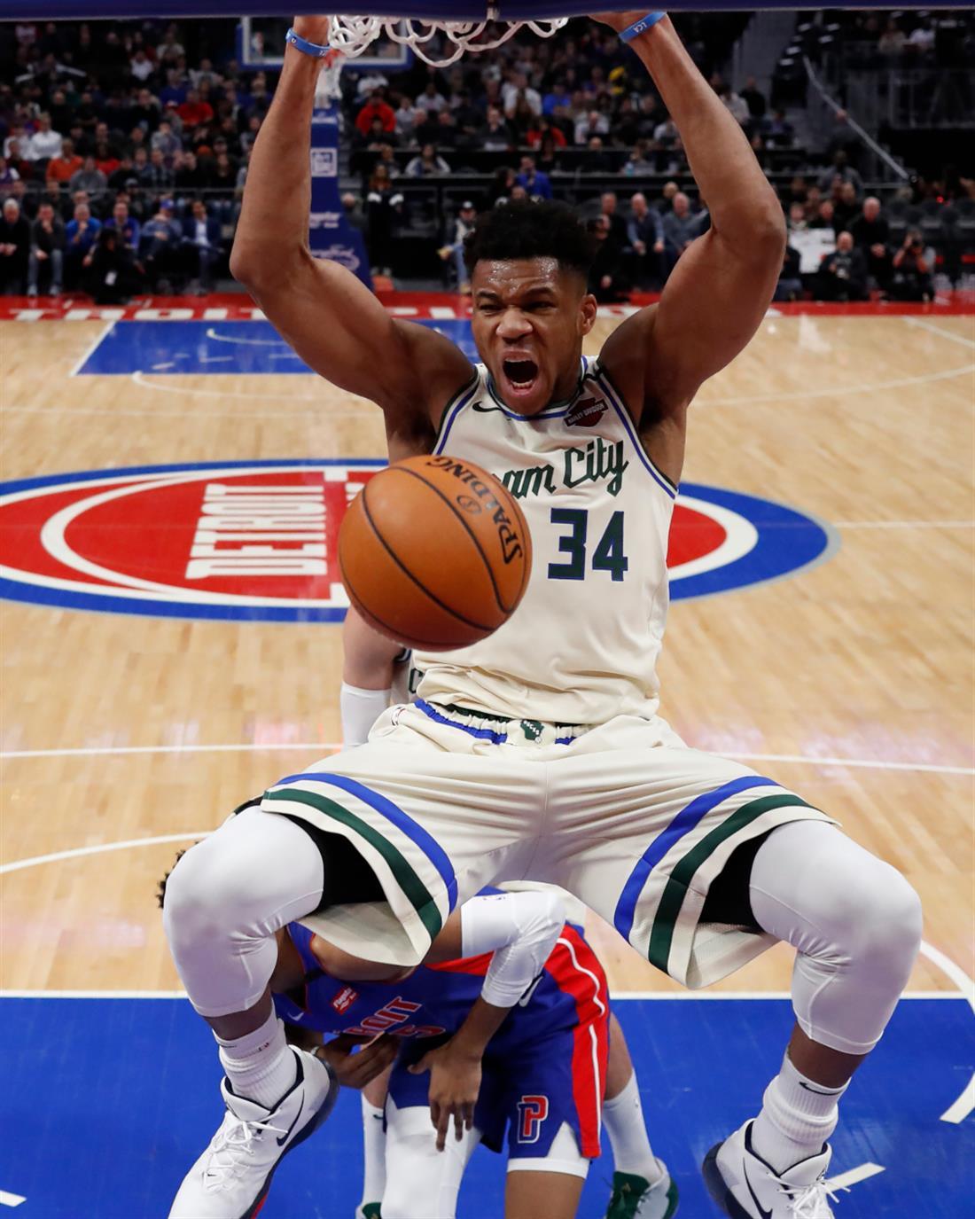 AP - Milwaukee Bucks - Γιάννης Αντετοκούνμπο