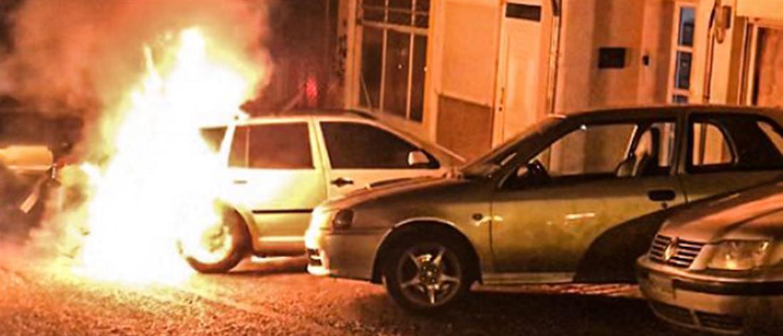 Πυρπόλησαν αυτοκίνητο Τούρκου διπλωμάτη στη Θεσσαλονίκη (εικόνες)