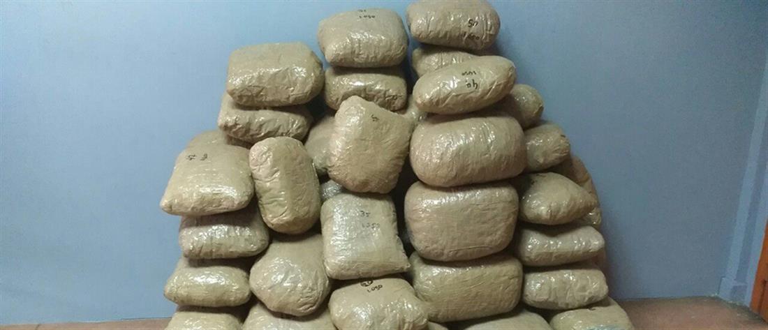 """""""Μπλόκο"""" σε δεκάδες κιλά ναρκωτικών"""