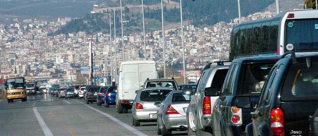 Κορονοϊός: αυξημένη η έξοδος από τις μεγάλες πόλεις παρά τις εκκλήσεις