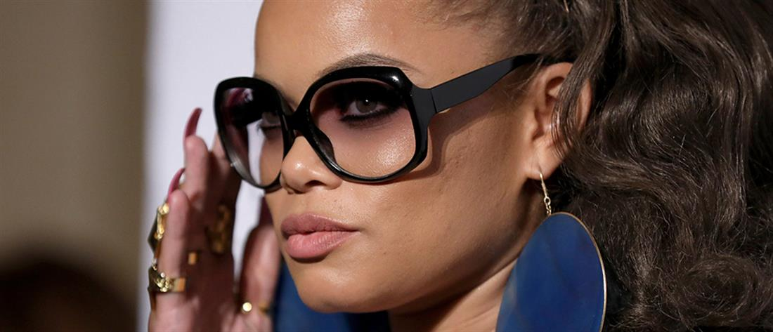 Λαμπερή με γυαλιά: Χρυσές συμβουλές για εντυπωσιακό make up