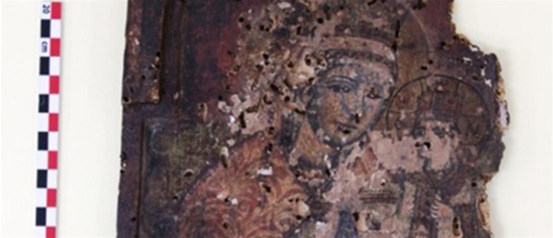 Θρησκευτικός θησαυρός βρέθηκε σε σπίτι (εικόνες)