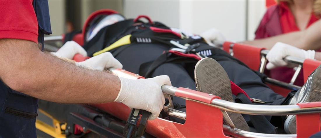 Στο αυτόφωρο οι νεαροί που επιτέθηκαν σε διασώστη του ΕΚΑΒ