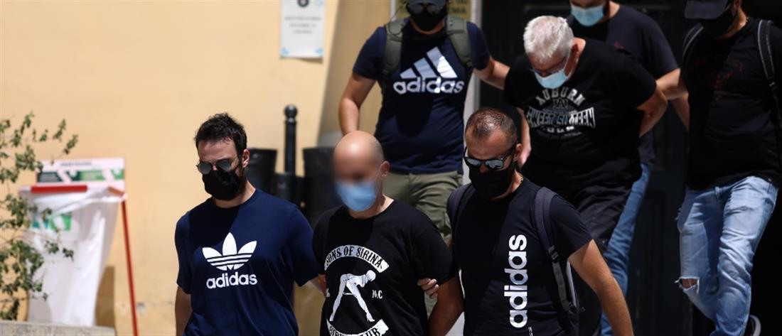Ηλιούπολη – Δικηγόρος 19χρονης: Υπάρχουν κι άλλες καταγγελίες για τον αστυνομικό