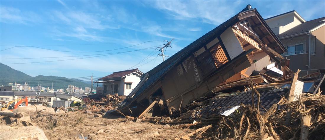 Βιβλική καταστροφή από τις φονικές πλημμύρες στην Ιαπωνία (βίντεο)