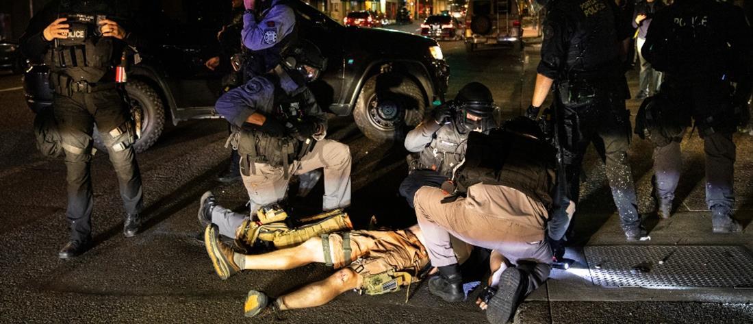 Ένας νεκρός από σφαίρες σε διαδήλωση στο Πόρτλαντ (εικόνες)