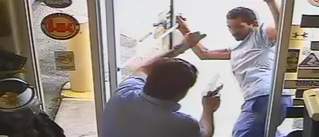 Χειροπέδες σε δημοτικό σύμβουλο που σκότωσε επίδοξο ληστή (βίντεο)