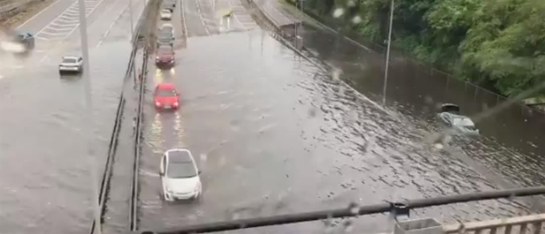 Λονδίνο: Πλημμύρες από την καλοκαιρινή καταιγίδα (βίντεο)