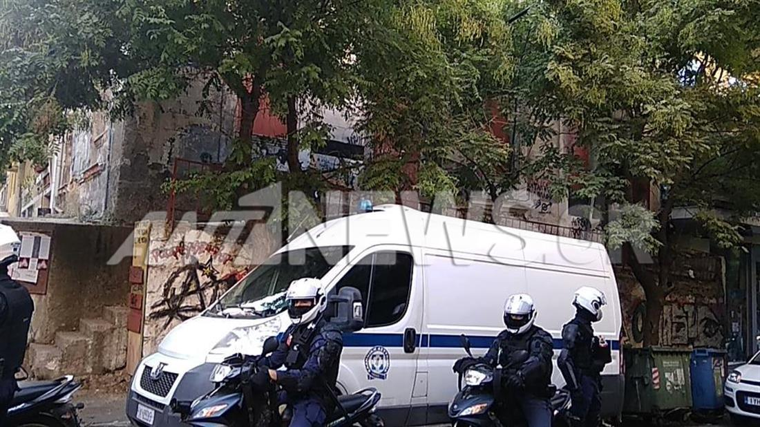 Κατάληψη - Παγκράτι - επιχείρηση αστυνομίας