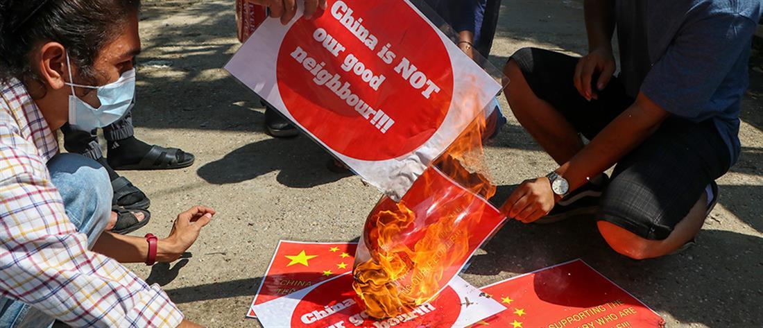 Χάος στη Μιανμάρ (εικόνες)