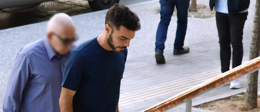 Αρνητής κορονοϊού: πρόστιμο στον πατέρα για μη χρήση μάσκας στο δικαστήριο