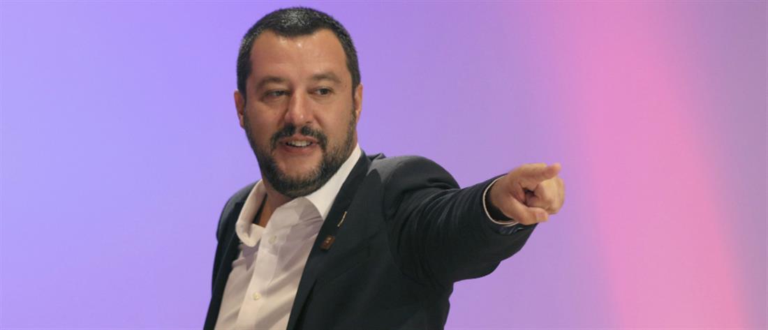 """""""Βρυχάται"""" ο Σαλβίνι, κλυδωνίζονται οι αγορές"""