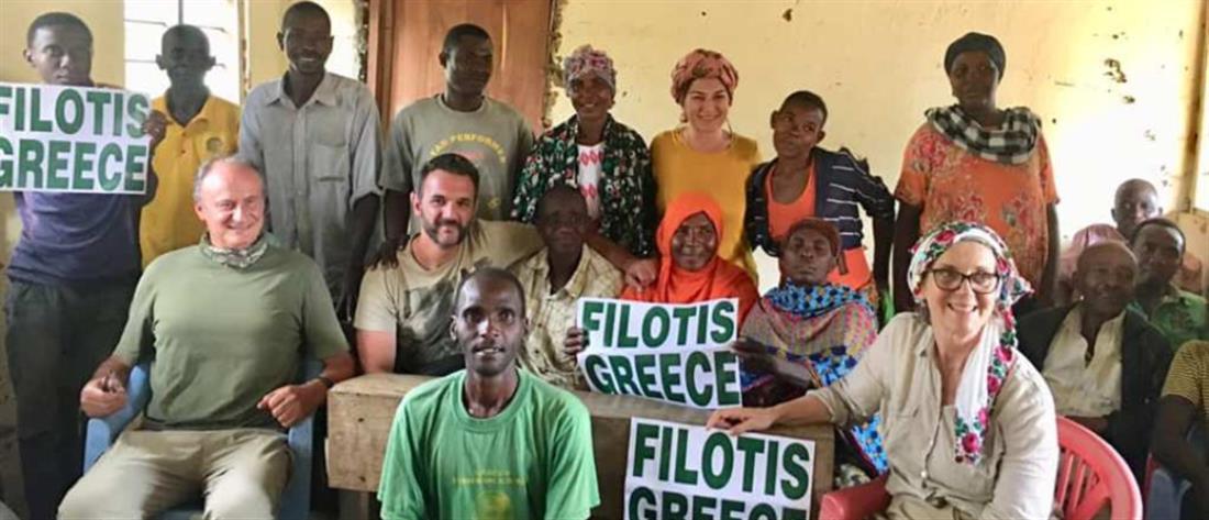 Ελληνίδα δασκάλα υιοθέτησε ένα χωριό στην Τανζανία (εικόνες)