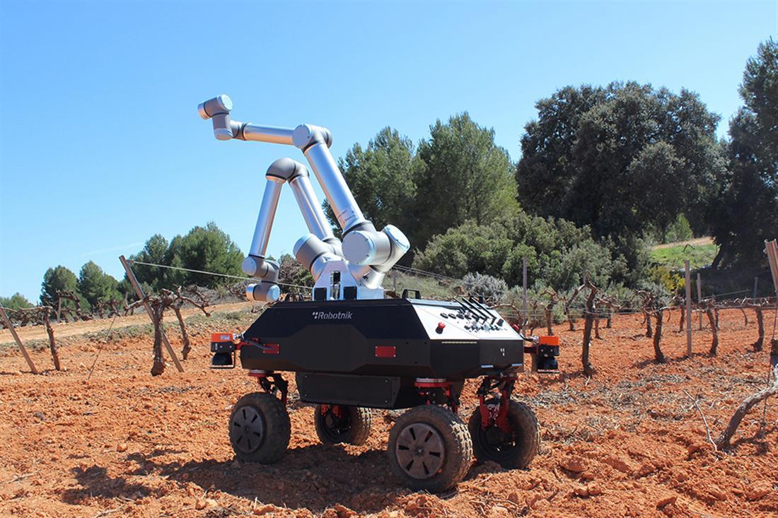 ΑΠΘ - BACCHUS - ρομπότ - αμπελώνας