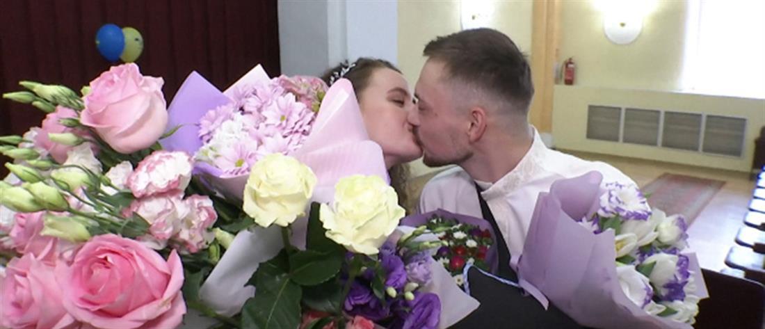Ουκρανία: γάμος μέσα σε νοσοκομείο (βίντεο)