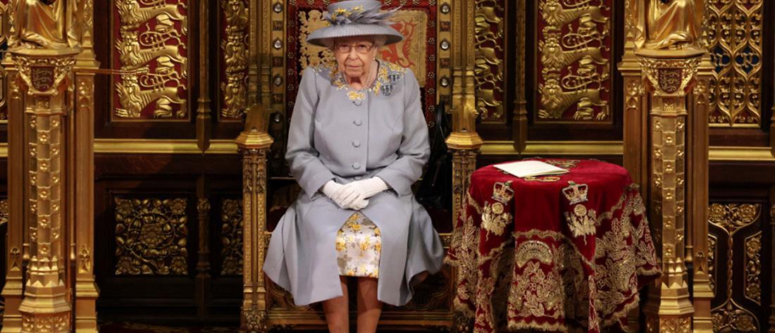 Βασίλισσα Ελισάβετ: Η πρώτη δημόσια εμφάνιση μετά την κηδεία του Πρίγκιπα Φίλιππου
