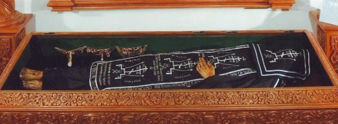 Άγιος Αλέξανδρος: Το λείψανό του παραμένει άφθαρτο εδώ και 486 χρόνια! (εικόνες)