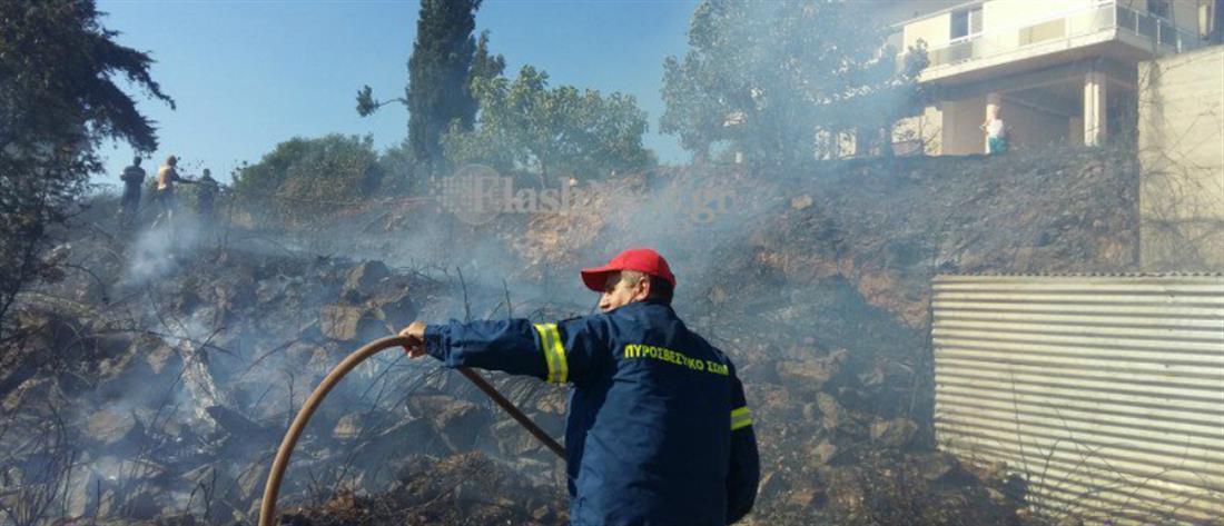 Συναγερμός για φωτιά στα Χανιά – απειλήθηκαν σπίτια, κάηκαν αυτοκίνητα (εικόνες)