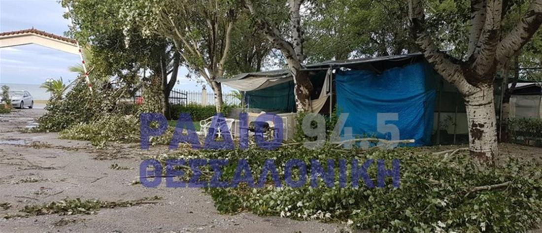 """Εικόνες """"βιβλικής καταστροφής"""" στη Νέα Καλλικράτεια (εικόνες)"""