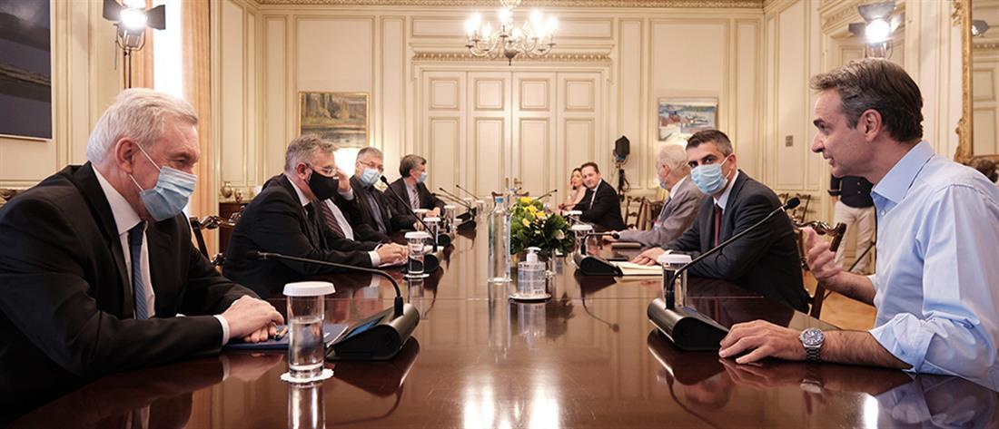 Μητσοτάκης: Η Ελλάδα παράδειγμα για την αντιμετώπιση της πανδημίας