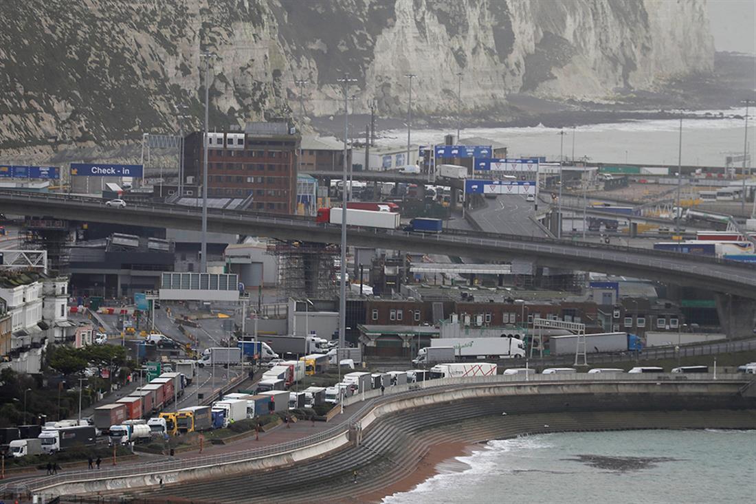 φορτηγά - εγκλωβισμένα -  σύνορα Γαλλία - Αγγλία - gallery
