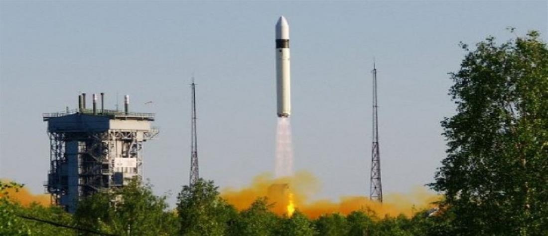 Στρατιωτικό δορυφόρο εκτόξευσε η Ρωσία (βίντεο)