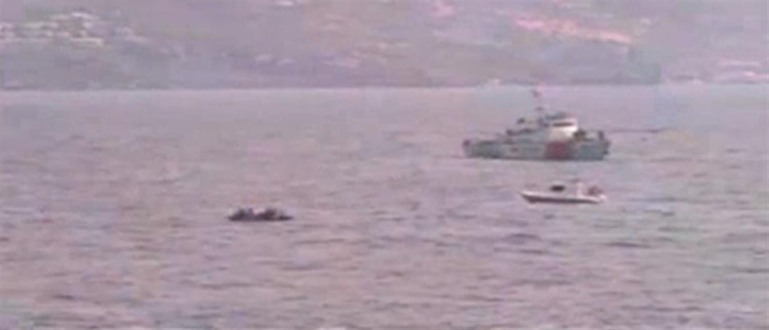 """Τουρκικές ακταιωροί """"συνοδεύουν"""" λέμβο με πρόσφυγες στα ελληνικά χωρικά ύδατα (βίντεο – ντοκουμέντο)"""
