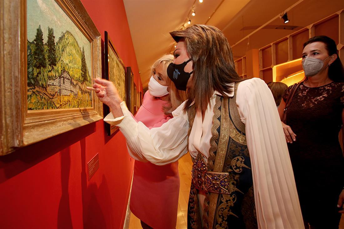 Μουσείο Μπενάκη - Μπριζίτ Μακρόν - Μαρέβα Γκραμπόφσκι-Μητσοτάκη - Γιάννα Αγγελοπούλου-Δασκαλάκη